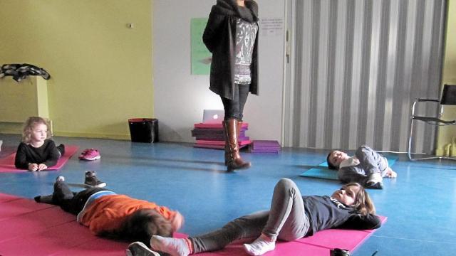 Les enfants apprennent à gérer le stress par la sophrologie